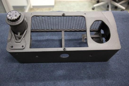 トヨタMR2のステアリング系統のワンオフボックスです。 おしゃれ?にリンクル塗装してみました。